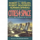 Cities in Space : Stories by Heinlein, Pournelle, and Others - Paperback USED