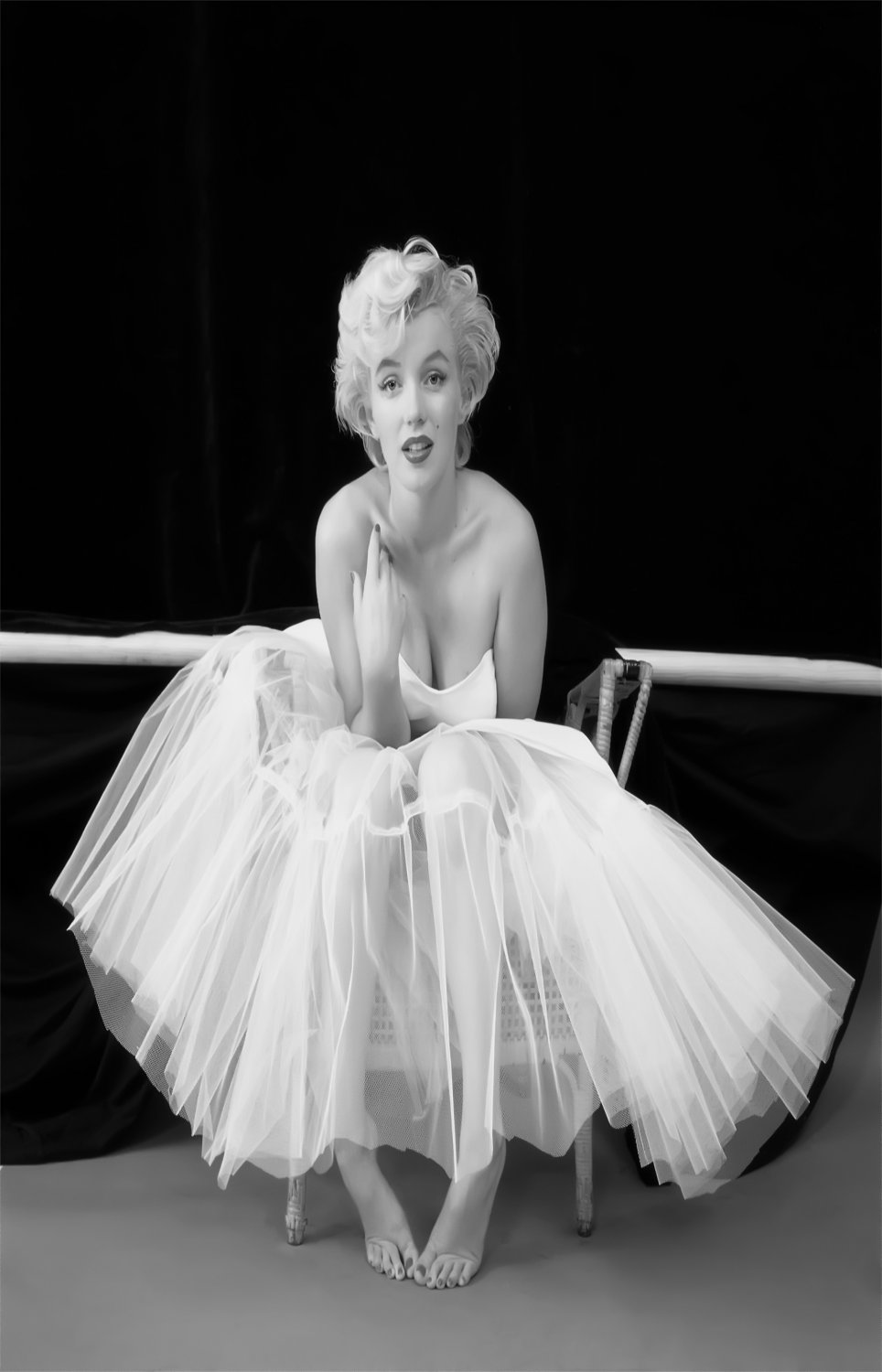 "Marilyn Monroe  13""x19"" (32cm/49cm) Polyester Fabric Poster"