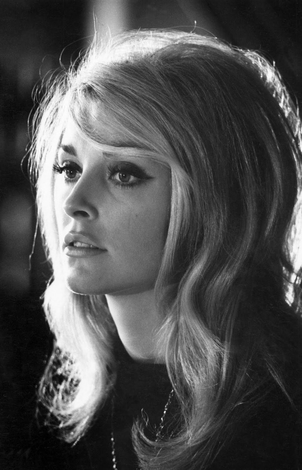 """Sharon Tate  13""""x19"""" (32cm/49cm) Polyester Fabric Poster"""