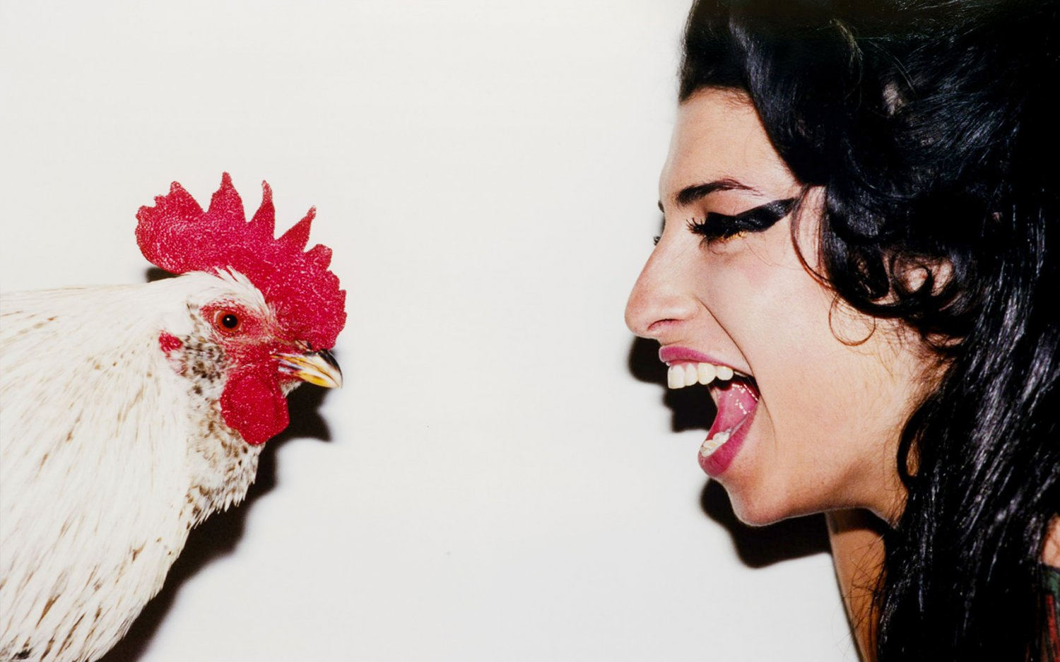 """Amy Winehouse with a Chicken 18""""x28"""" (45cm/70cm) Canvas Print"""