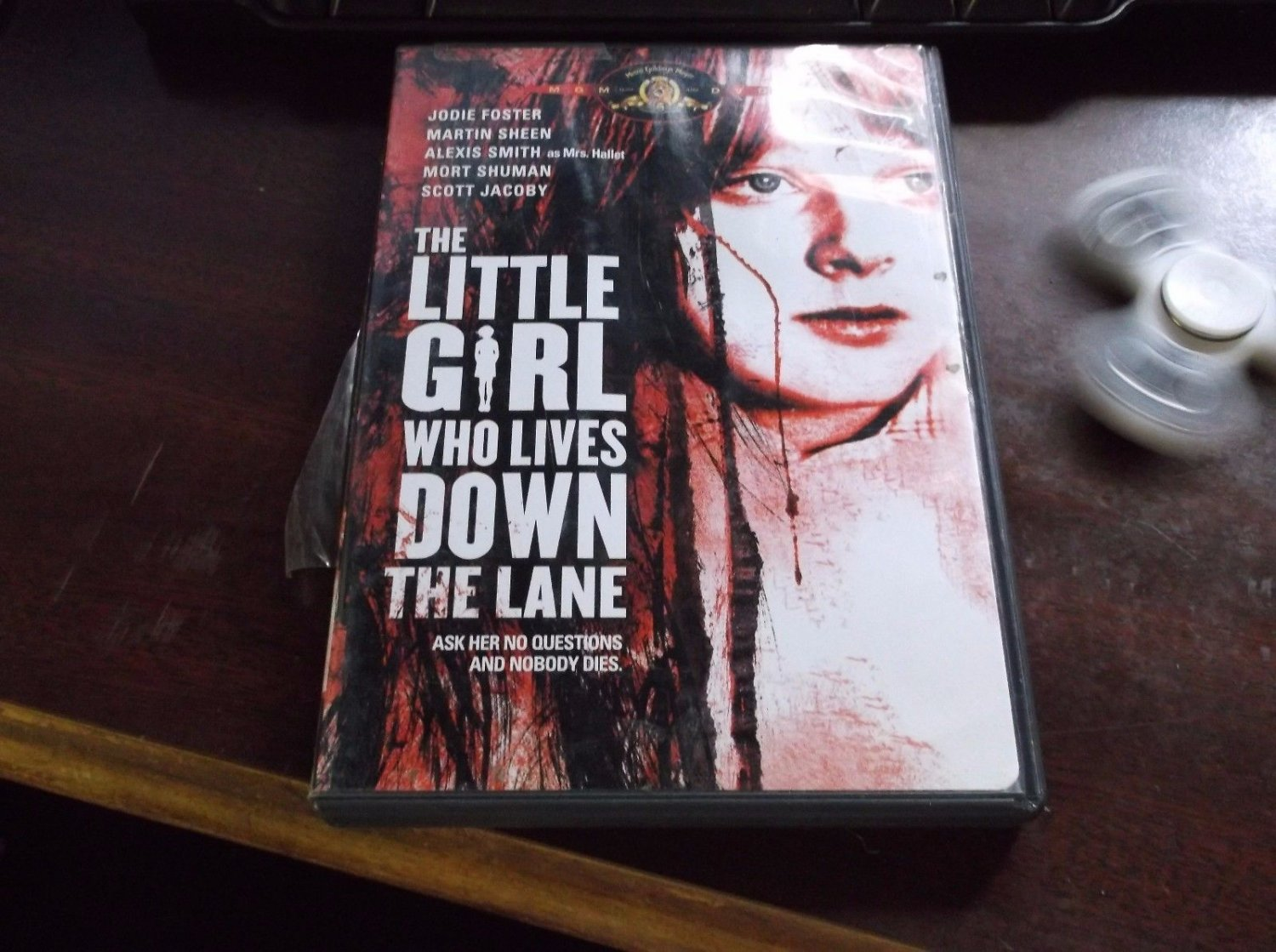 The Little Girl Who Lives Down the Lane (DVD, 2005)