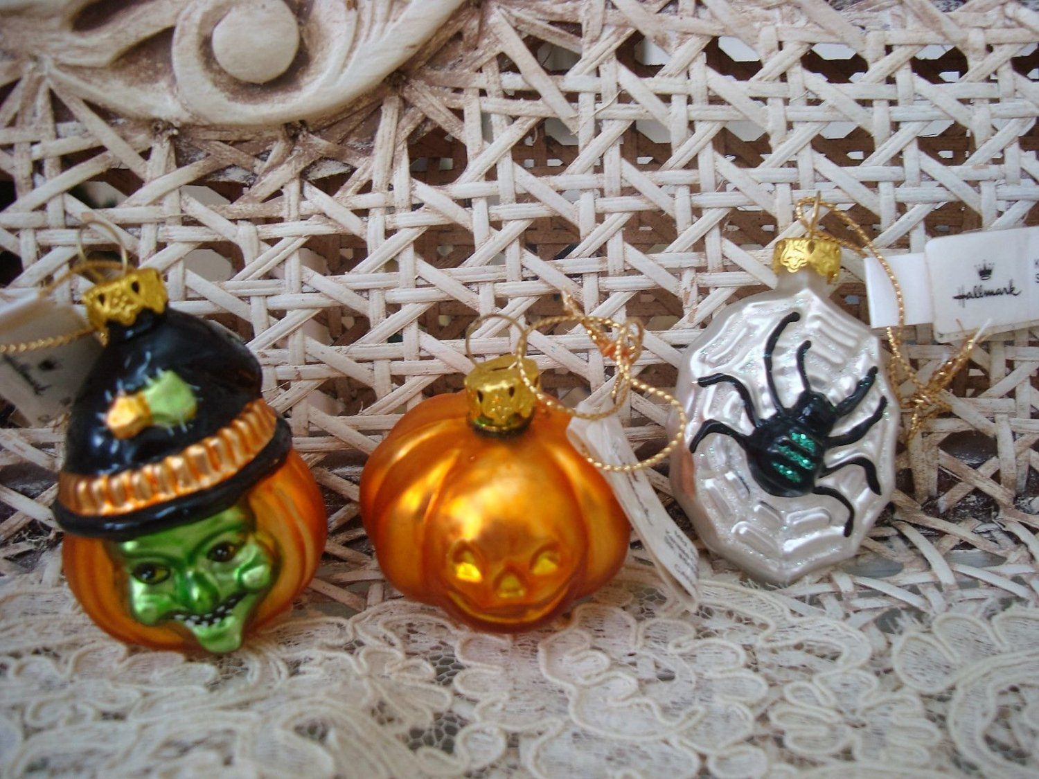 3 HALLMARK RETIRED HALLOWEEN BLOWN GLASS ORNAMENTS PUMPKIN SPIDER WITCH