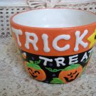 TRICK OR TREAT CANDY CORN PUMPKIN CERAMIC POT ***SO CUTE***