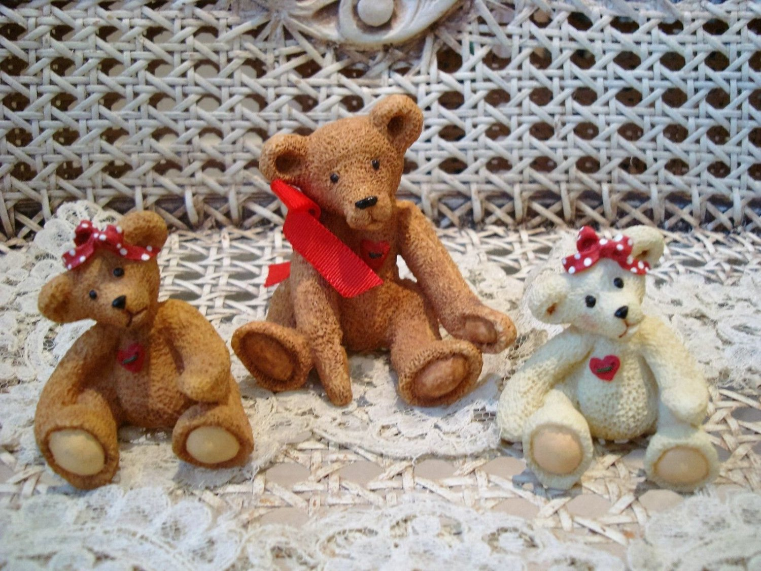 HOLLY BEARIES RETIRED SET OF 3 ADORABLE BEAR FIGURINES CHRISTMAS *NEW*
