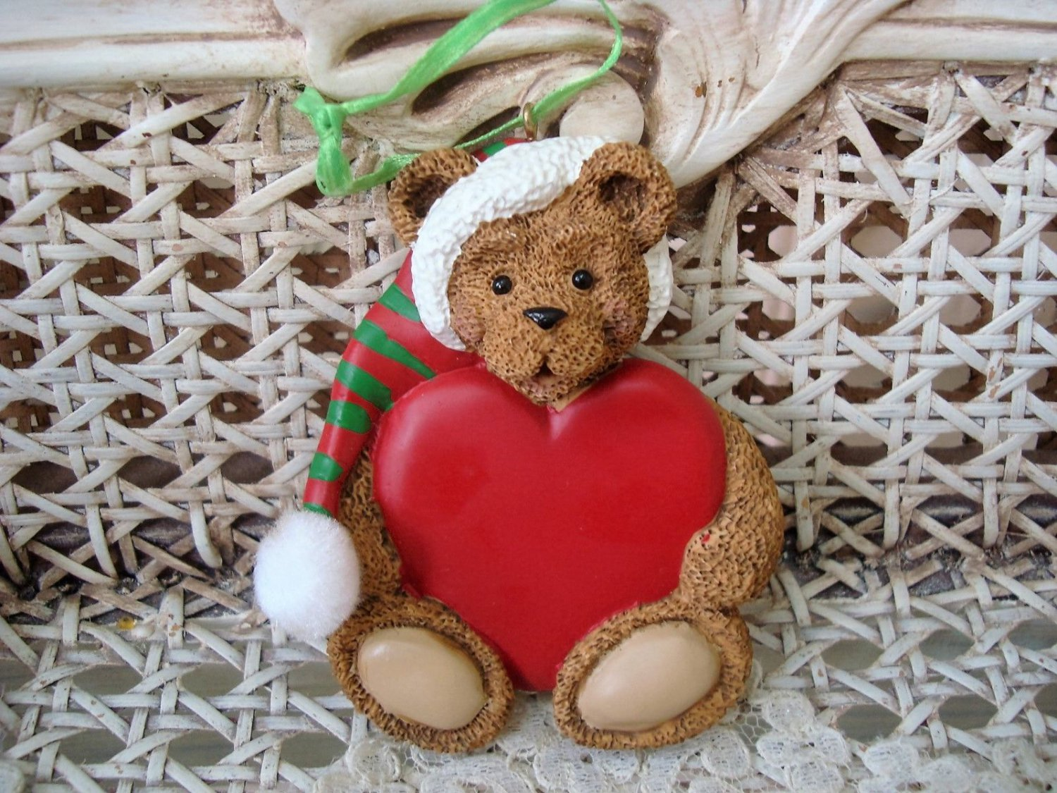 HOLLY BEARIES RETIRED BEAR WITH HEART CHRISTMAS ORNAMENT ***NEW***