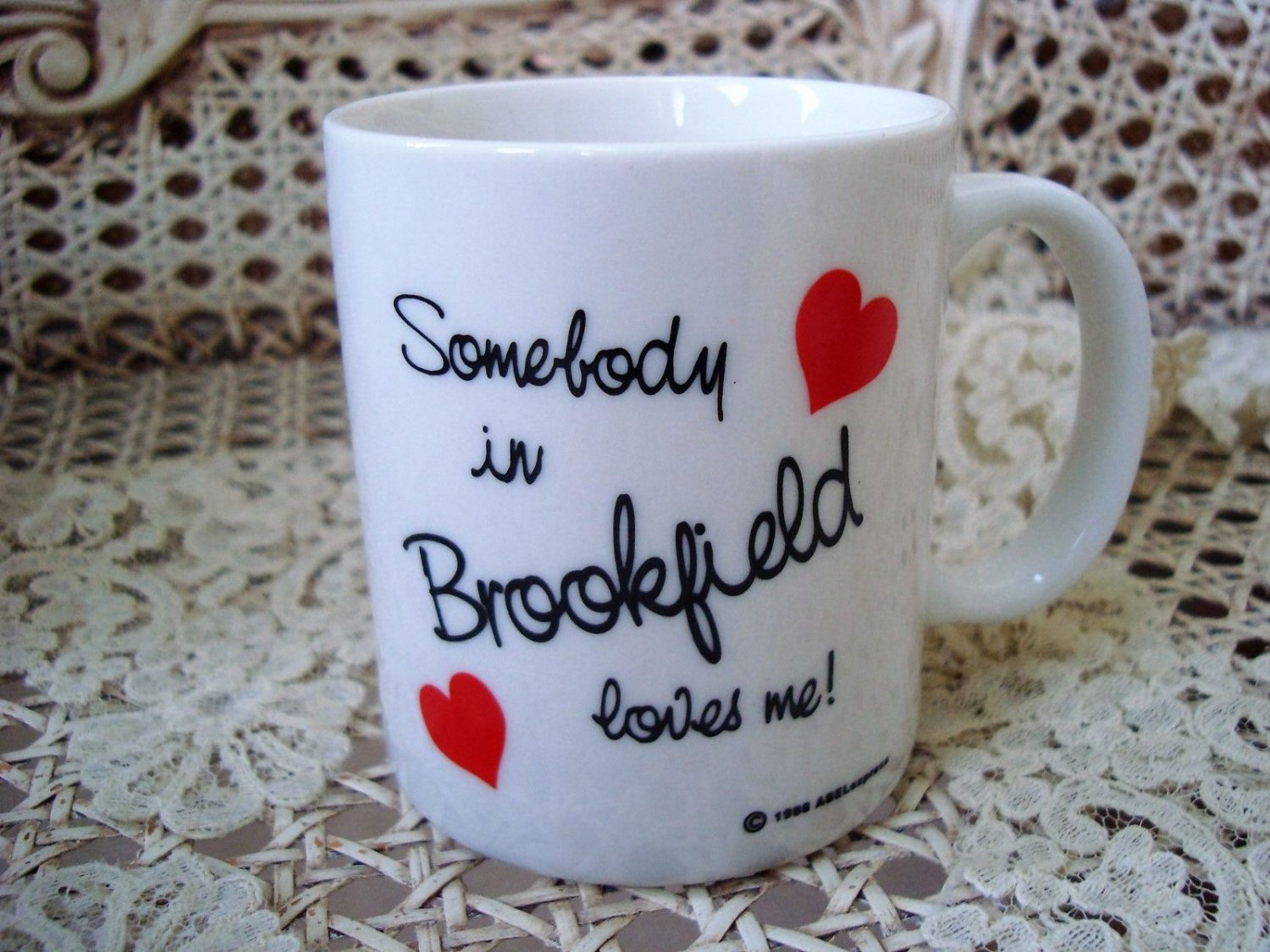 SOMEBODY IN BROOKFIELD LOVES ME CERAMIC MUG ***NEW*** SO CUTE