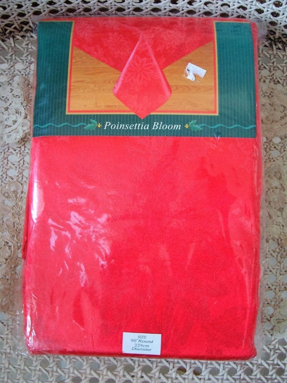 "GORGEOUS POINSETTIA RED CHRISTMAS FABRIC TABLECLOTH 90"" ROUND *NEW IN PACKAGE*"