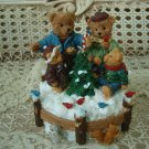 ADORABLE CHRISTMAS BEARS MUSIC BOX ***PLAYS O CHRISTMAS TREE** SO CUTE***