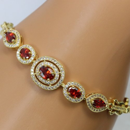 New arrival!! High quality bracelet with lot's of details. Genuine 5AAAA level Italian zircon
