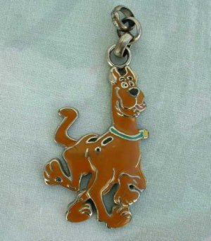 Sold Scooby Doo Dog Brown Enameled Necklace Pendant Hanna Barbera Vintage Jewelry