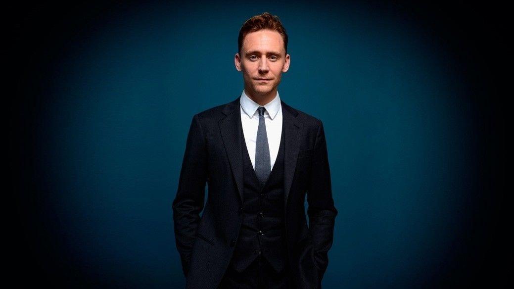 Tom Hiddleston Actor Star Art 32x24 Poster Decor