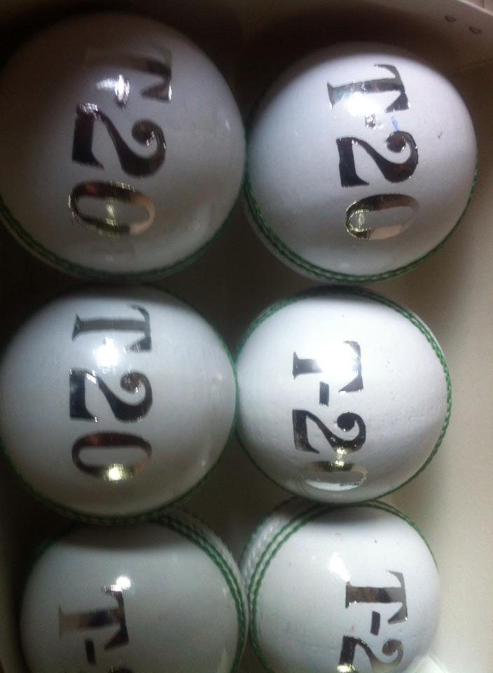 New White 156 GM Conforming to MCC Regulation leather cricket balls pack of 6 for 30 overs