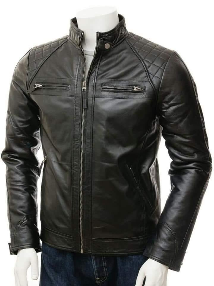 NEW MEN,S LATEST FASHION STYLE LEATHER MOTORCYCLE BLACK JACKET SIZE XS