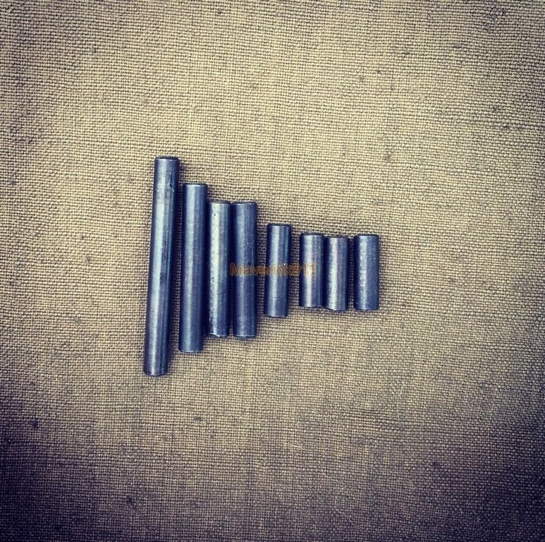 WW2 WWII German MP40 mounting pins ( set of 8 pieces )