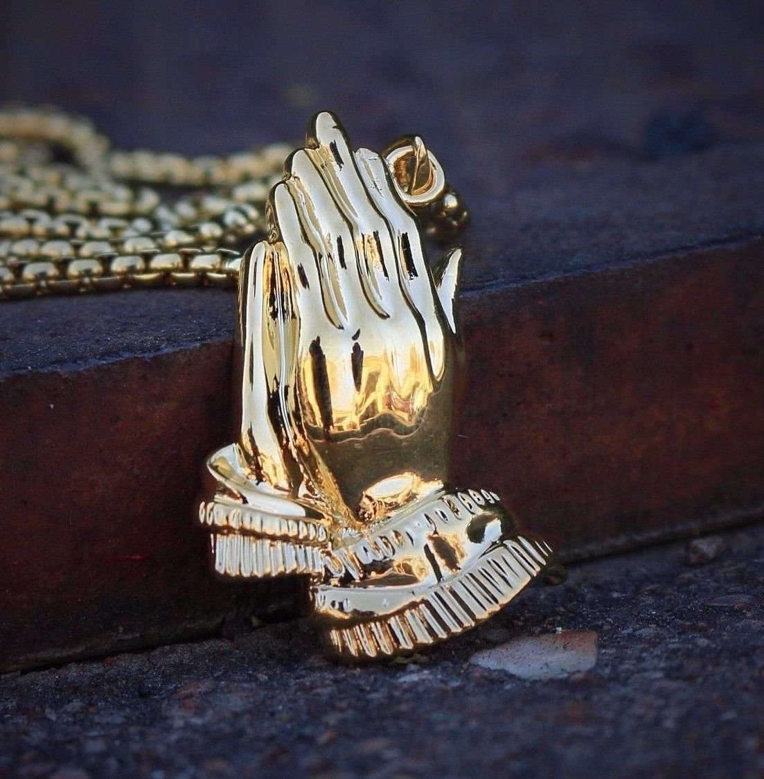 18k Gold Pvp Plated Prayer Hands Jesus Piece Necklace