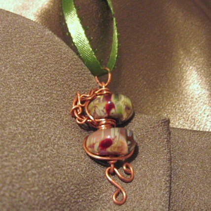 """ROSE PETALS""  Boro glass beads,Green ribbon & Copper wire Necklace, Handmade"