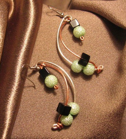 """COSMOPOLITAN"" Green & black glass beads, Sterling silver plated & copper wire, Earrings, Jewelry"
