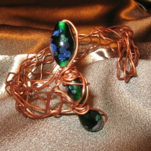 """WANDER"" Green glass beads & Copper Bracelet, Handcrafted Jewelry"