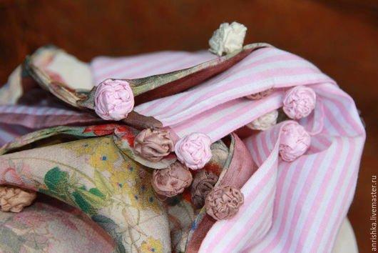 BENANDLU handmade - Tippet or scarf. Preppy style. Silk, cotton, roses, pink rim