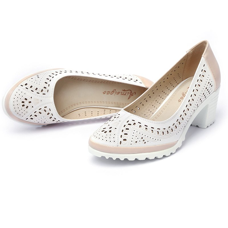 Style Hollow Out Sandals Soft Leather Women Shoes