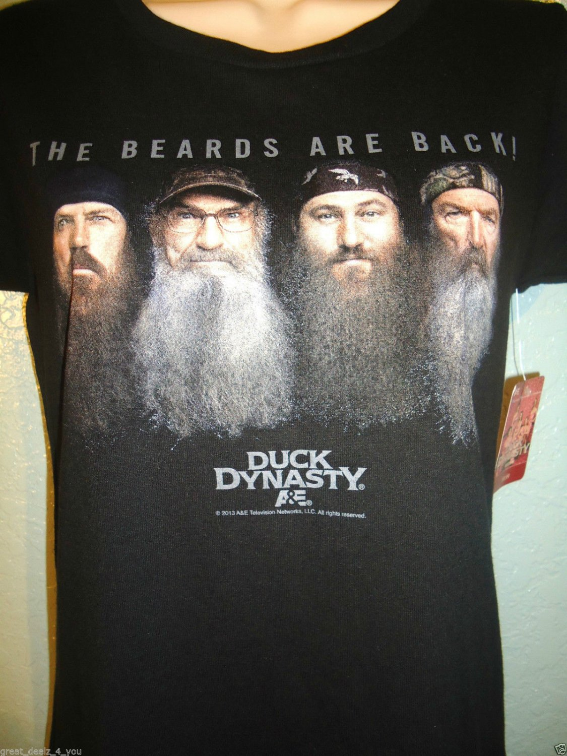 DUCK DYNASTY - WOMEN'S - BLACK - BEARDS - T-SHIRT - TOP - BRAND NEW - NWT - A&E