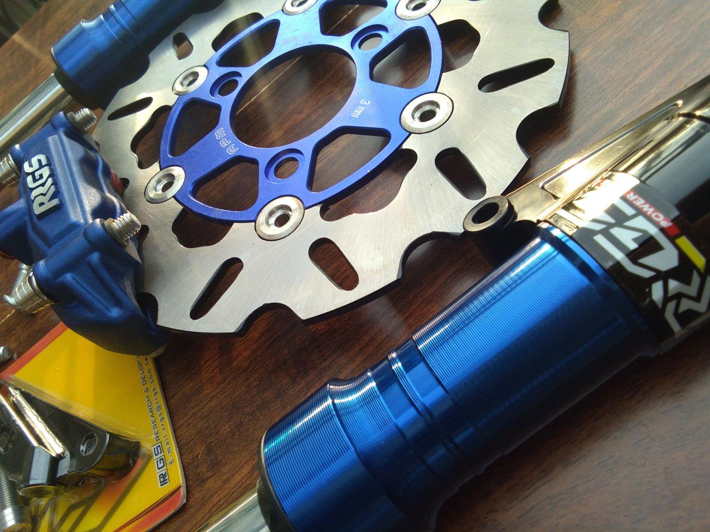 Blue RRGS custom HONDA Ruckus front end disk brake conversion kit