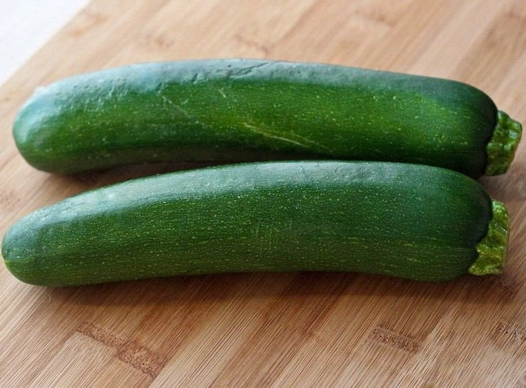 Dark Green Zucchini Summer Squash 30 seeds * Heirloom * Non GMO * *SHIPPING FROM US* CombSH F26