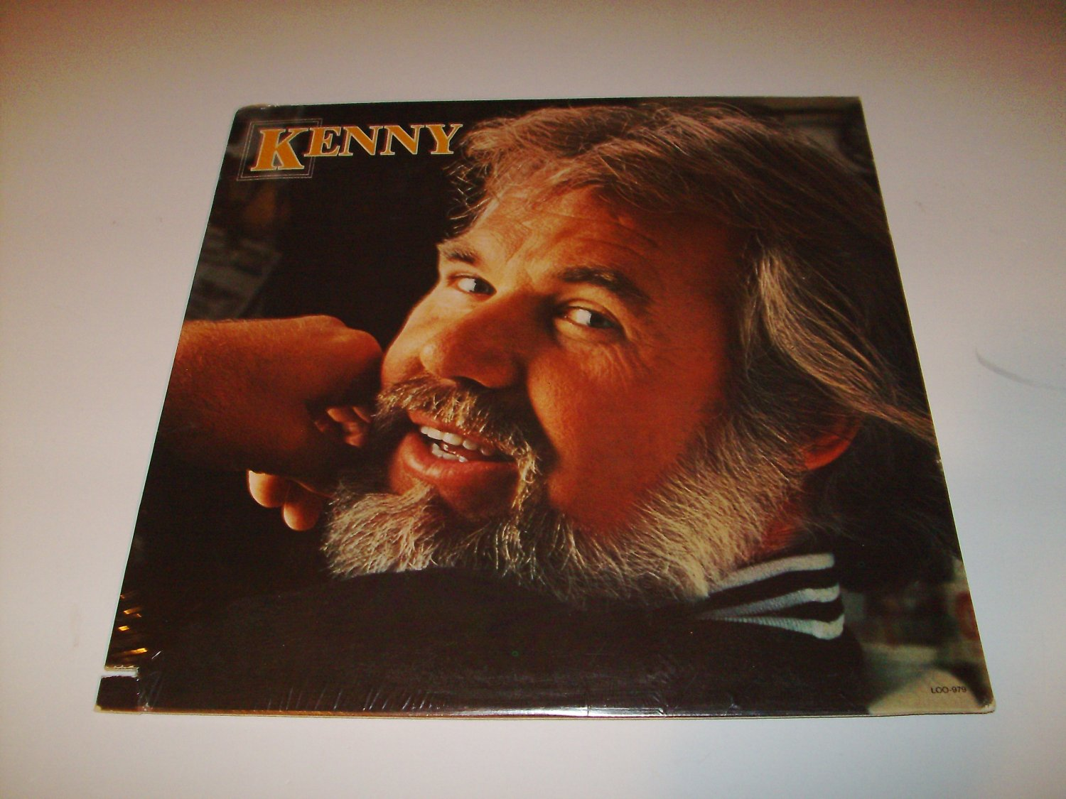 Kenny Rogers - Kenny (LOO 979) on 33 rpm Vinyl LP