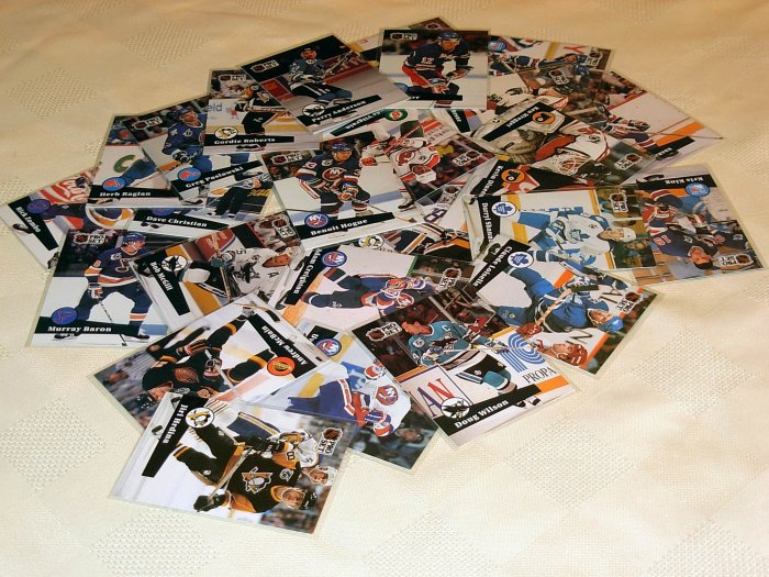Lot of 100 1991/92 Pro Set Cards  Neat Mint Condition