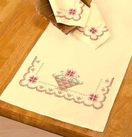 Soft Petals Table Runner & Napkins Cross Stitch Kit   5 Piece Set  New