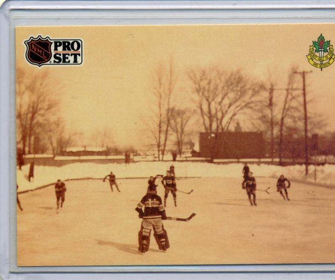Montreal Canadiens Practice Outdoors Hockey Hall of Fame 91/92 Pro Set #589 NHL Hockey Card