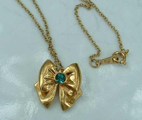 Child's Gold-Plated  Bow Necklace Emerald Green Rhinestone Jewelry