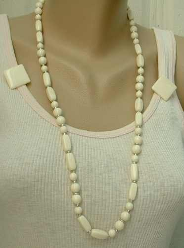 Beige Thermoset Bead Necklace Earrings Set Vintage Jewelry
