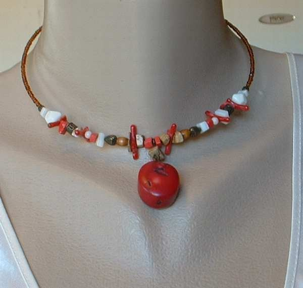 Express Signed Red Coral Hoop Necklace Jasper Hearts Beaded Collar Jewelry
