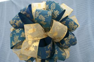 DARK TEAL & GOLD HOLLY - MINI CHRISTMAS TREE TOPPER BOW