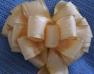 SIMPLE ELEGANCE CR�ME W/ GOLD TRIM - WREATH, SWAG, GARLAND OR PRESENT BOWS (3 BOWS/PACKAGE)