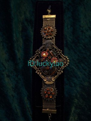 stunning exquisite beautiful beads  bracelet