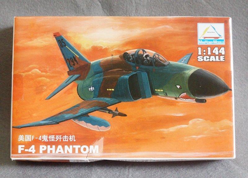 Military aircraft assembly model 1:144 US F-4 PHANTOM 80418