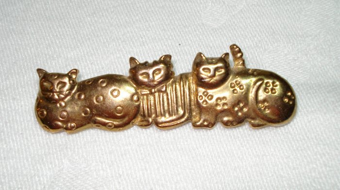 3 Cats watching gold tone pin brooch vintage cm1061