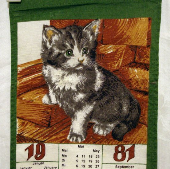 1981 Kitten mini calendar towel tri-lingual cm1070