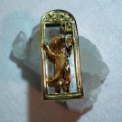 JJ gold tone cat looking in real mirror pin brooch mint vintage cm1085