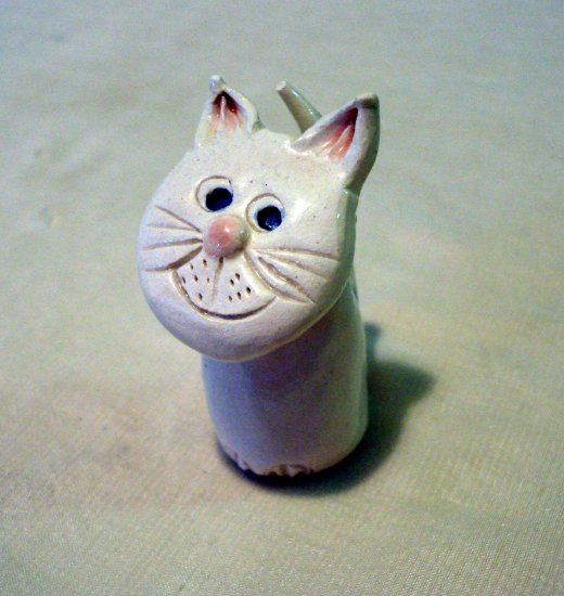 Hand modeled clay smiling cat figurine tiny cute animal collectibles cm1130