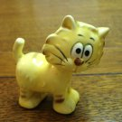 Humorous yellow cat figurine bug-eyes ceramic vintage cm1468