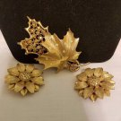 Vintage sarah coventry gold tone fall set brooch and earrings