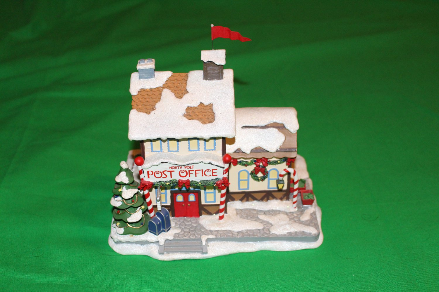 """Hawthorne Village """"North Pole Post Office"""" 2004 Rudolph's Christmas Town Village Collection"""