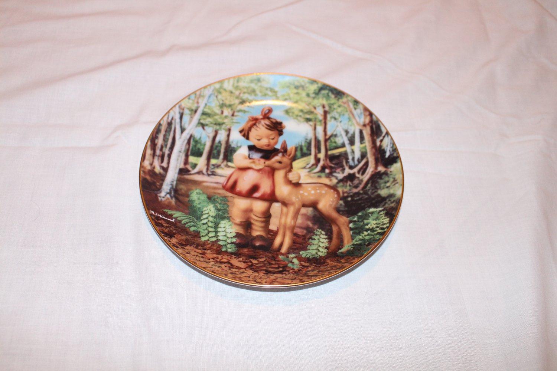 "Hummel Collector Plate ""Friends"" 1991 from Gentle Friends Series"
