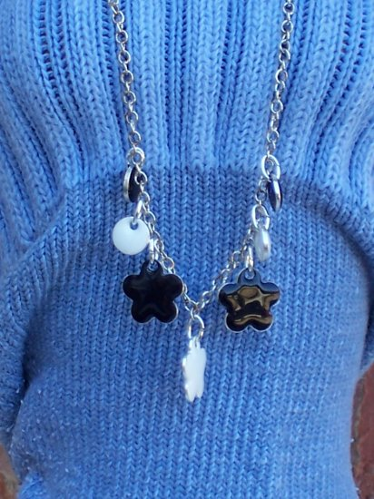 Black and white flowers - Fashion Doll Jewelry