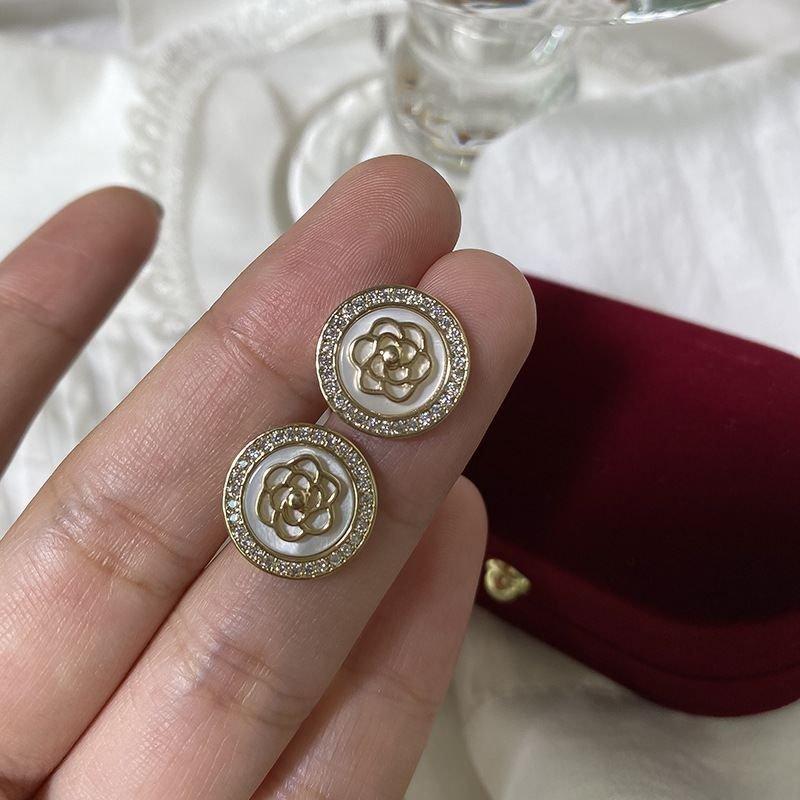 Elegant Flower CZ Round 925 Sterling Silver Stud Earrings