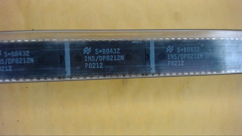 NATIONAL INS/DP8212N 24-Pin Dip Original IC New Lot Quantity-2