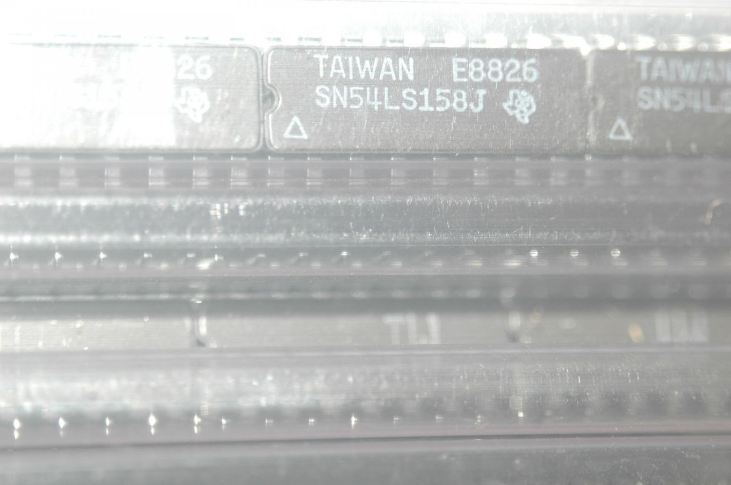 TEXAS INSTRUMENTS SN54LS158J 16-Pin Ceramic Dip Integrated Circuit 54LS158 Qty-1